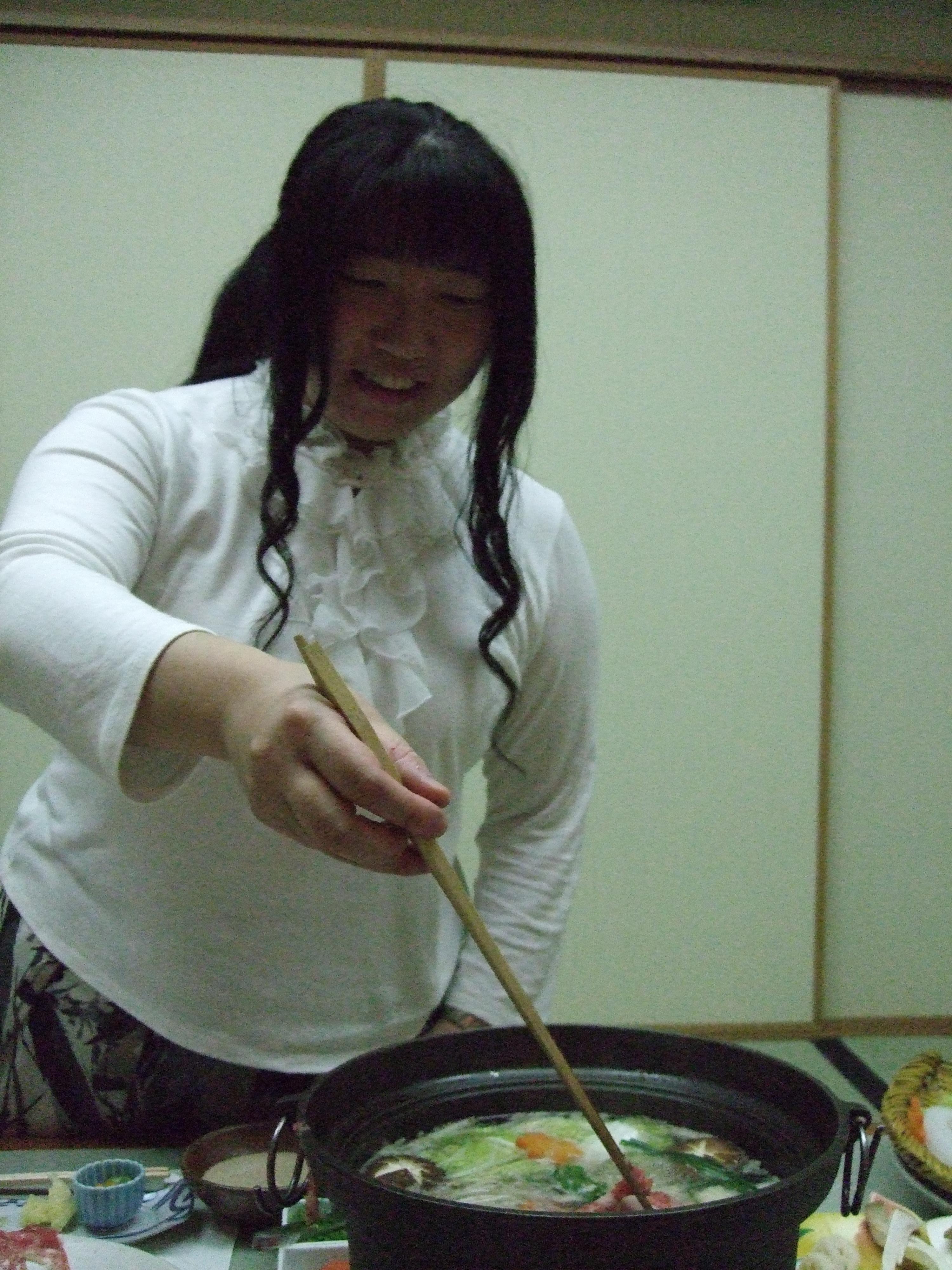 Akiko kokkaa shabushabua